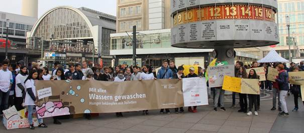 Pupils from Berlin celebrated World Food Day, connecting nutrition with sanitation, water and hygiene.