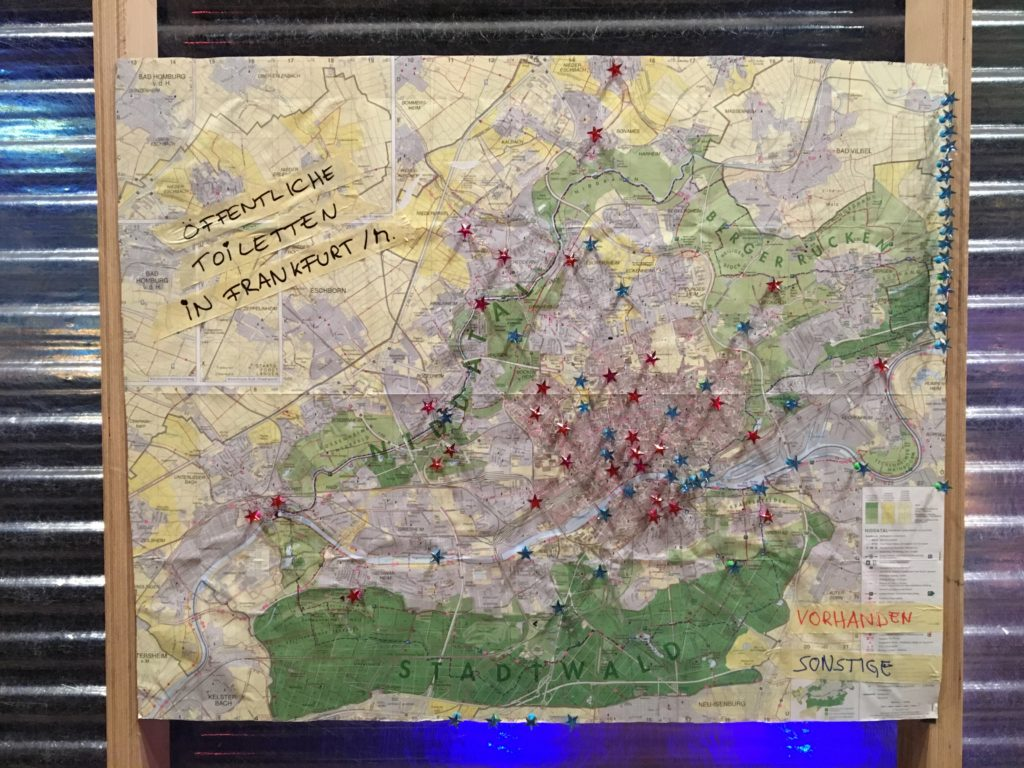 Rot = die vom Liegenschaftsamt betreuten Toiletten in FFM; Blau = einige Wunschtoilettenorte #keepitsimple
