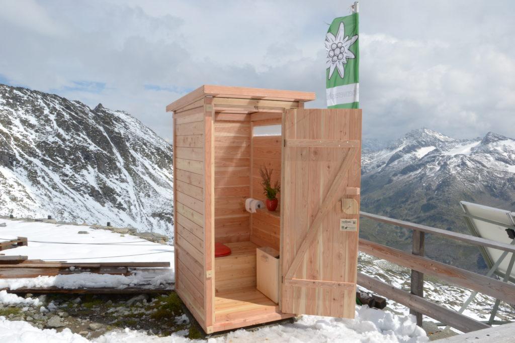 Ungewöhnliche Orte für saubere Toiletten - auch das ermöglichen diese nowato Toiletten.